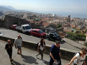 Si sale senza problemi attraverso il Centro storico di Salerno
